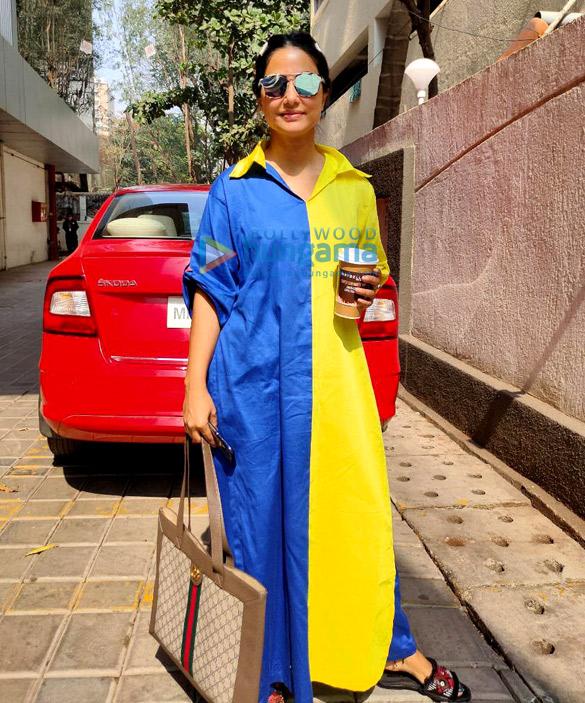 Photos: Hina Khan snapped at Goregaon Photo studio