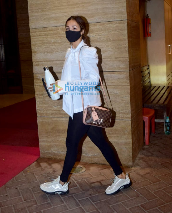 Photos Malaika Arora spotted in Bandra (3)