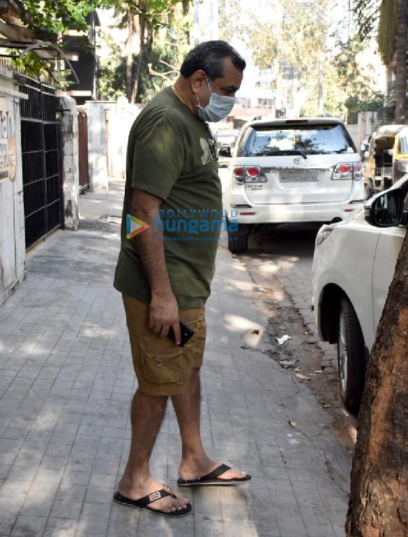 Photos Paresh Rawal snapped at a clinic in Juhu (3)