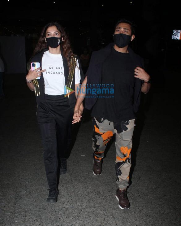 Photos Pooja Hegde, Ekta Kapoor, Aakanksha Singh and others snapped at the airport More (3)