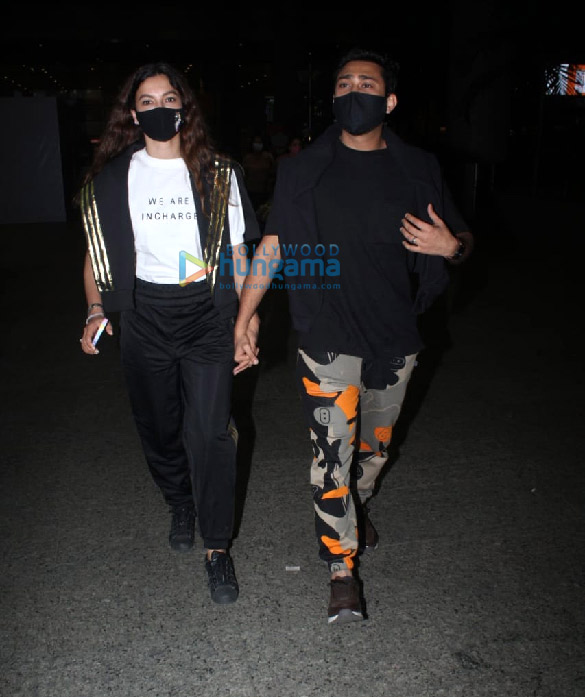 Photos Pooja Hegde, Ekta Kapoor, Aakanksha Singh and others snapped at the airport More (4)