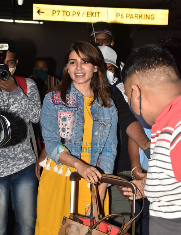 Photos Ranveer Singh and Samantha Akkineni spotted at the airport (1)