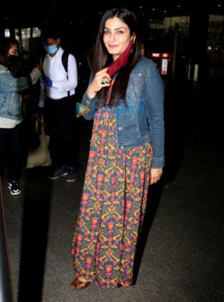 Photos: Raveena Tandon, Shraddha Kapoor and Dimple Kapadia spotted at the airport