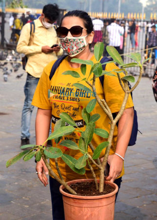 Photos: Vidya Balan spotted with her husband Siddharth Roy Kapur at Gateway Of India