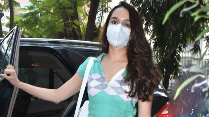 Shraddha Kapoor spotted at Kromakay Salon Juhu