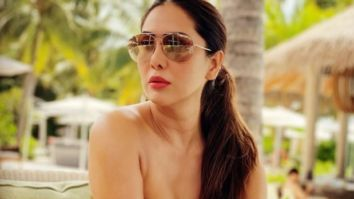 Check out! Kim Sharma looks drop-dead gorgeous in a golden monokini