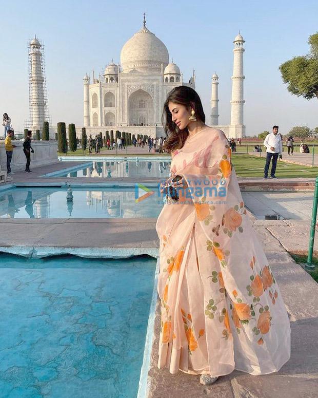 Mouni Roy mesmerises in floral silk organza saree worth Rs. 24,500 at Taj Mahal