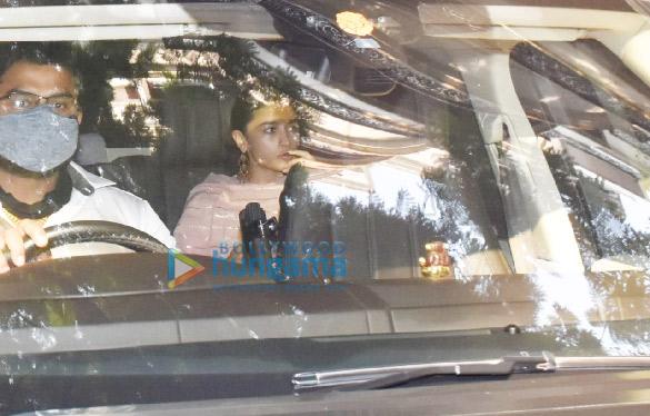 Photos: Alia Bhatt snapped in Juhu