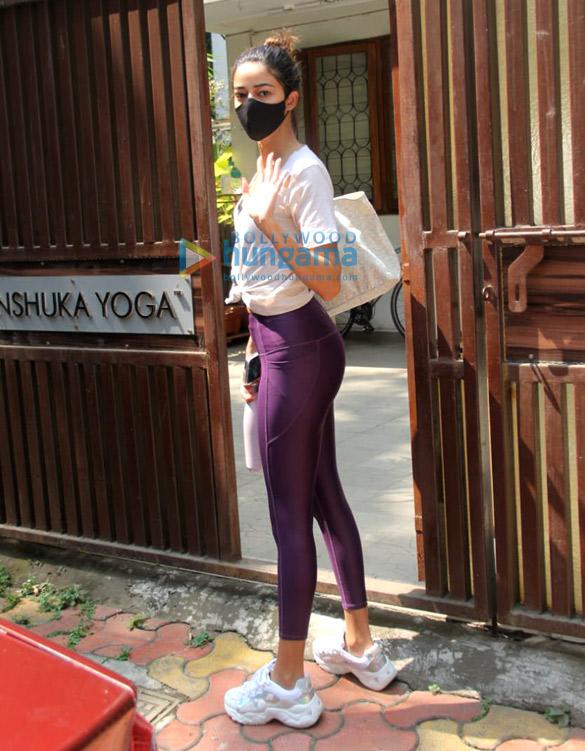Photos Ananya Panday spotted at Anshuka Yoga in Bandra (1)