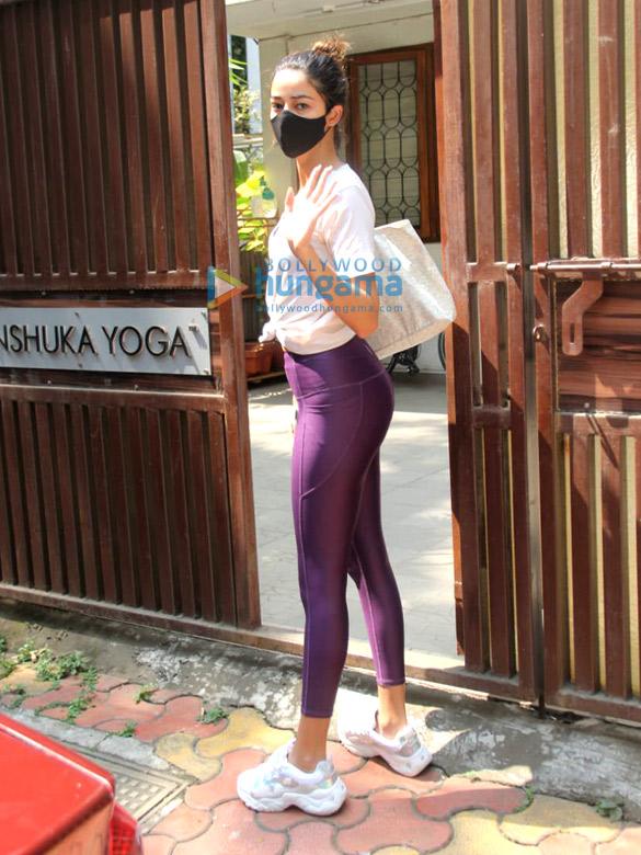 Photos Ananya Panday spotted at Anshuka Yoga in Bandra (3)