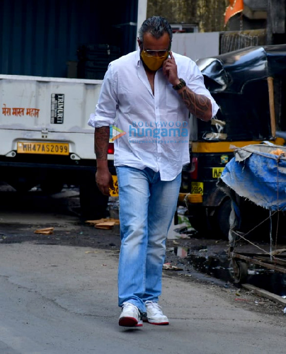 Photos Celebs attend the prayer meet for Bunty Walia's father (5)