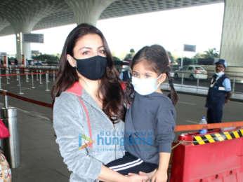 Photos: Disha Patani, Mouni Roy, Soha Ali Khan and others snapped at the airport