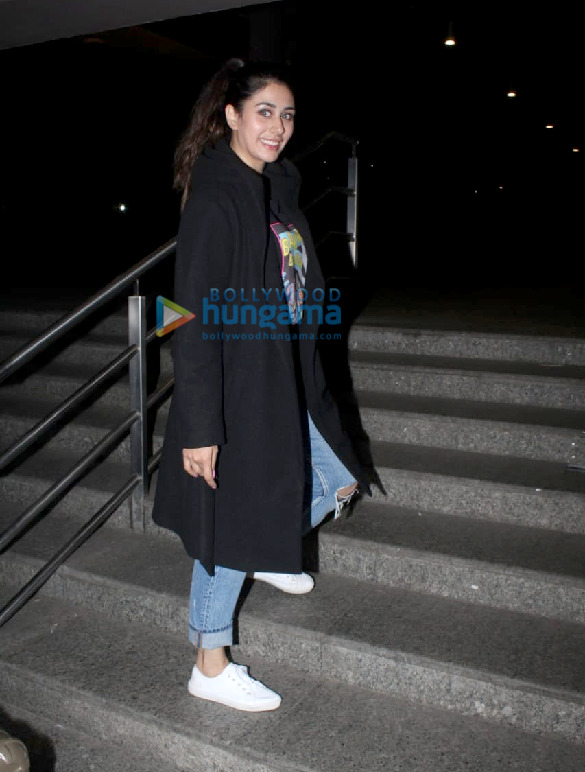 Photos Pulkit Samrat, Isabelle Kaif, Sandeepa Dhar others snapped at the airport-00 (1)