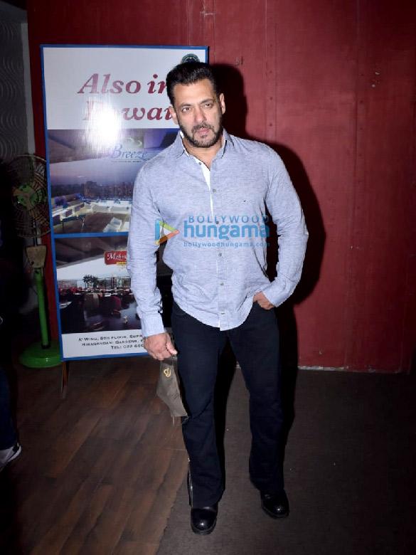 Photos Salman Khan snapped for Arbaaz Khan's chat show in Juhu (3)