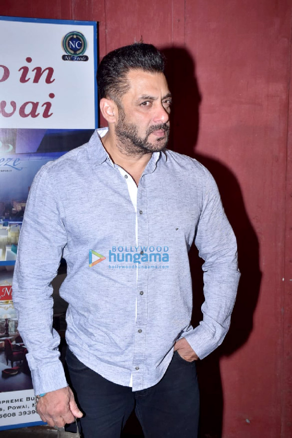 Photos Salman Khan snapped for Arbaaz Khan's chat show in Juhu (4)