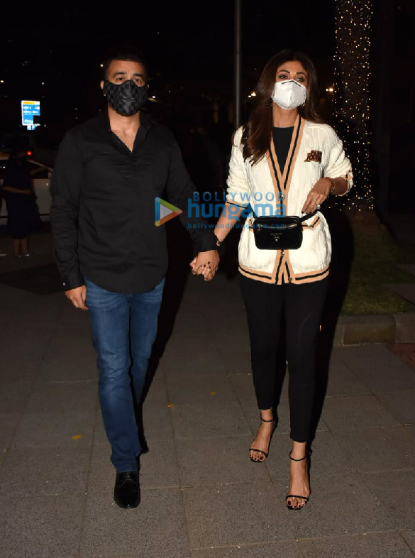 Photos Shilpa Shetty and Raj Kundra snapped in BKC (2)