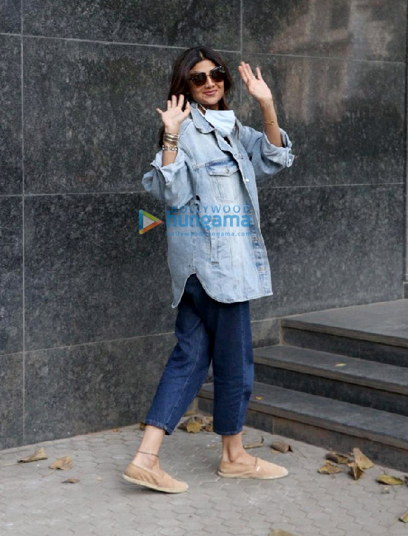 Photos: Shilpa Shetty spotted in Bandra
