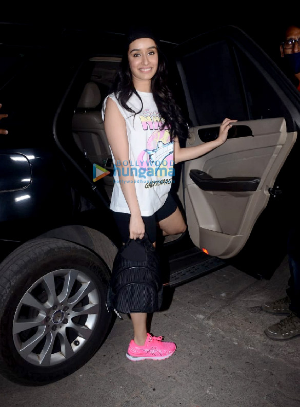 Photos Shraddha Kapoor spotted leaving after a shoot with Bella Casa (1)