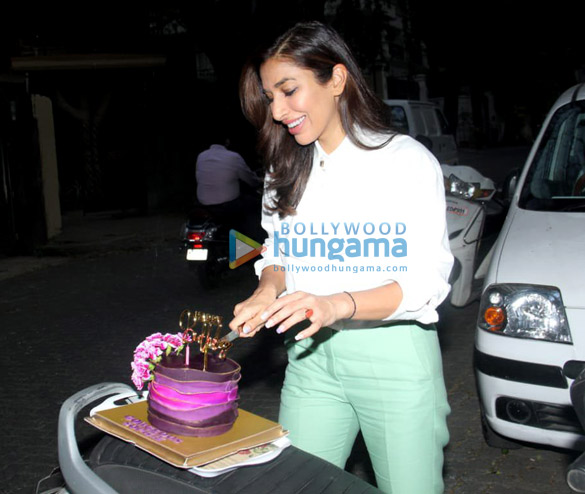 Photos Sophie Choudry snapped celebrating her birthday (2)