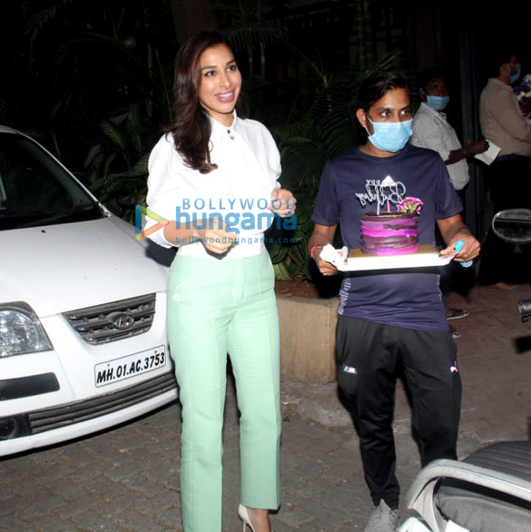 Photos Sophie Choudry snapped celebrating her birthday (4)
