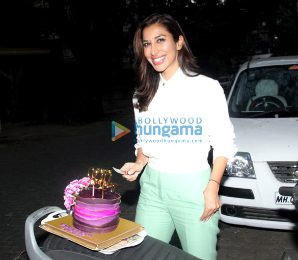 Photos Sophie Choudry snapped celebrating her birthday (5)