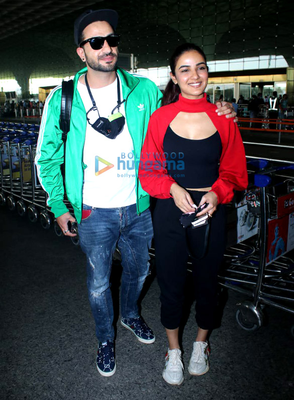 Photos Tamanna Bhatia, Aly Goni, Jasmin Bhasin and Maniesh Paul snapped at the airport (2)