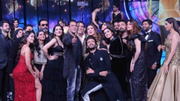 Salman Khan clicks a star-studded selfie at the Indian Pro Music League's opening ceremony