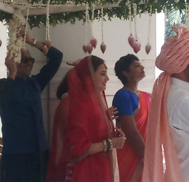 Dia Mirza makes for a gorgeous bride in first pictures as she marries Vaibhav Rekhi