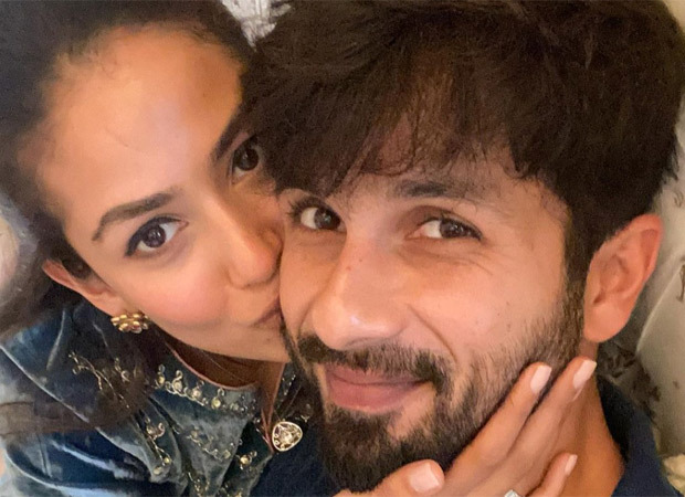 """I like me better when I'm with you"" - Mira Rajput kisses Shahid Kapoor on his 40th birthday"