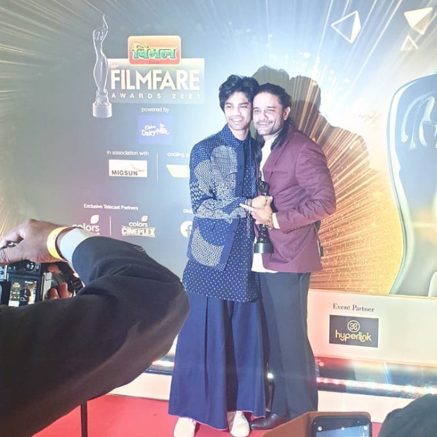 Filmfare Awards 2021: Irrfan Khans son Babil Khan receives his fathers awards; Ayushmann Khurrana pens heartfelt note after meeting him for the first time - Bollywood Hungama