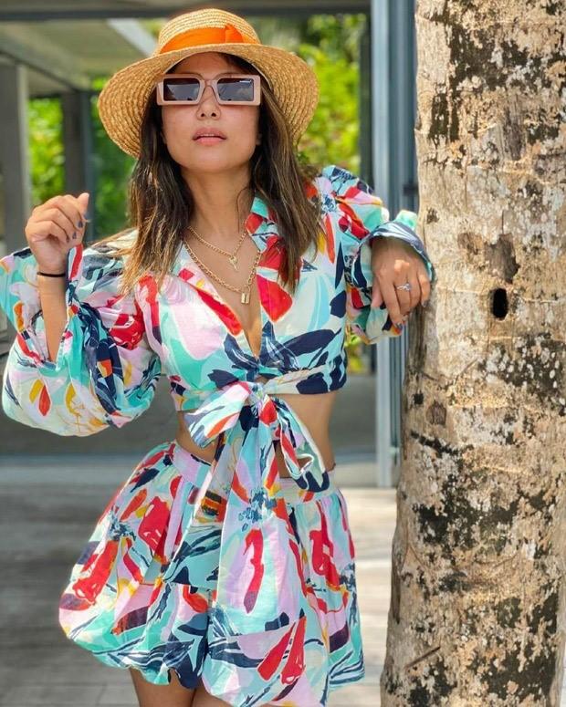 Hina Khan dons monotone co-ords during Maldives vacation with boyfriend Rocky Jaiswal