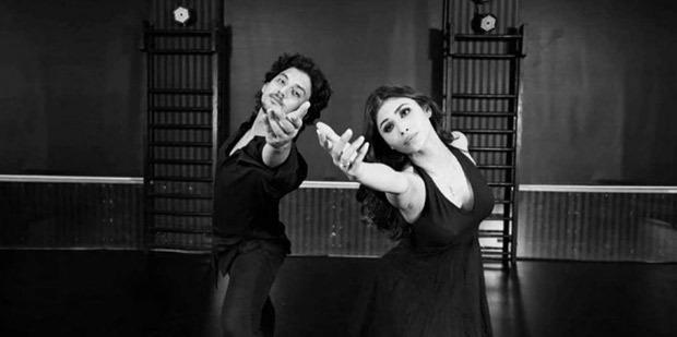 Mouni Roy grooves on Ranbir Kapoor & Deepika Padukone's song 'Agar Tum Saath Ho', watch video
