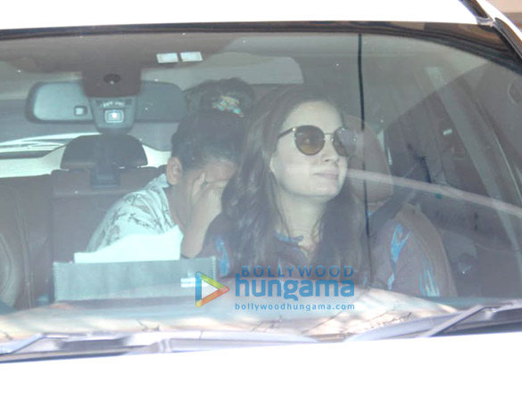 Photos Dia Mirza spotted in Bandra (2)
