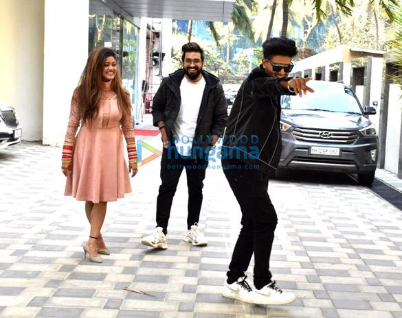 Photos Guru Randhawa, and Sachet-Parampara snapped at T-Series for the promotions of their single 'Aur Pyaar Karna Hai' (2)