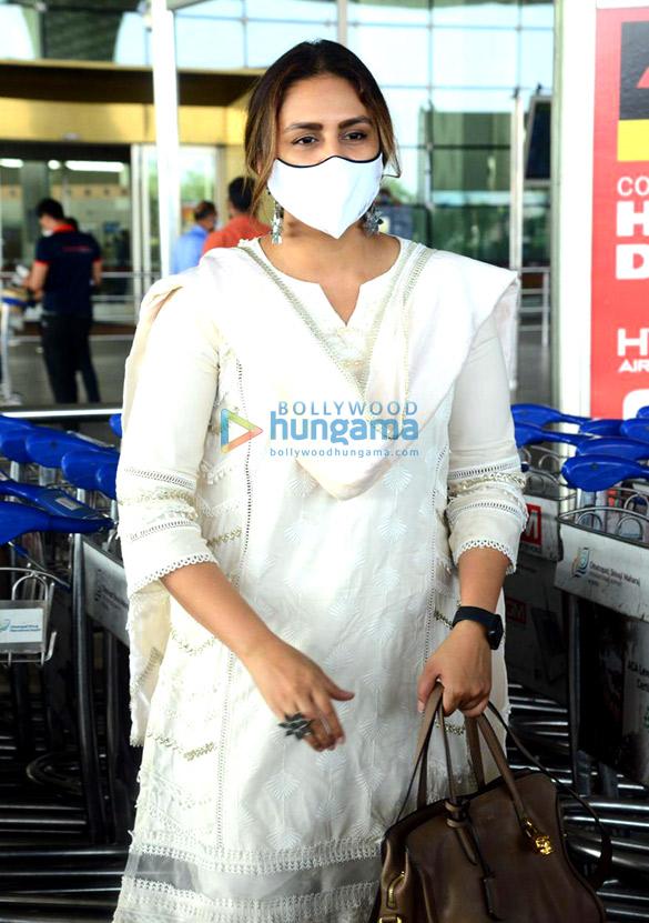 Photos: Huma Qureshi and Boman Irani snapped at the airport
