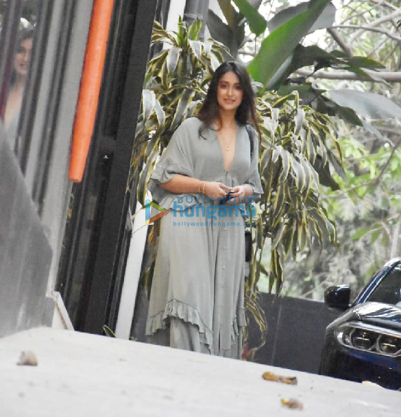 Photos Ileana D'Cruz spotted at Maddock Office (2)