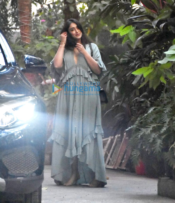 Photos Ileana D'Cruz spotted at Maddock Office (5)