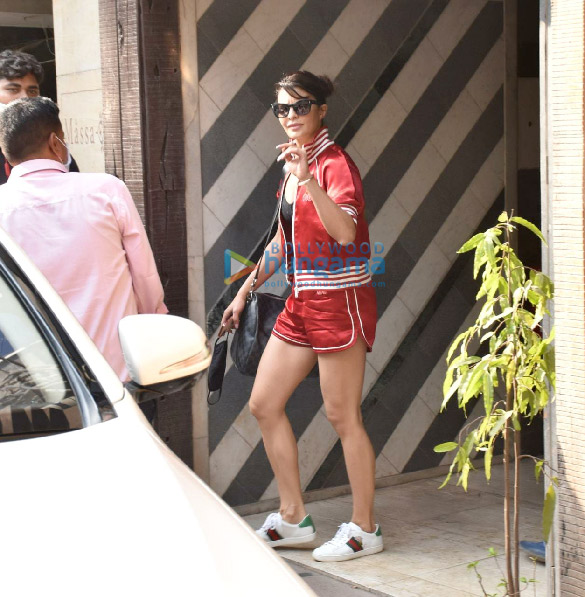 Photos Jacqueline Fernandez snapped at gym in Juhu (3)
