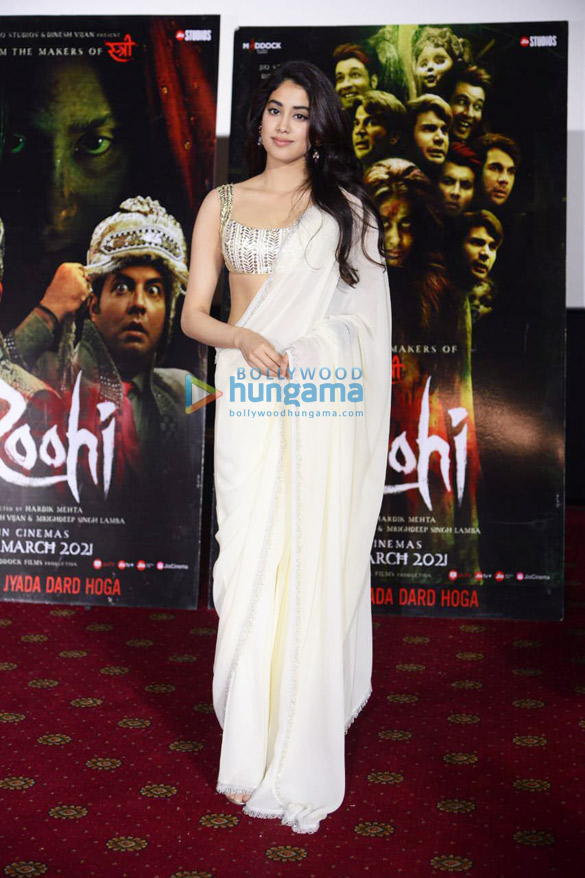Photos Janhvi Kapoor in Delhi for Roohi promotions (6)