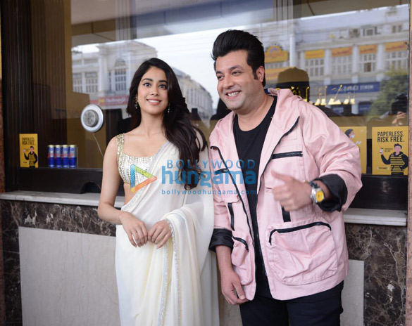 Photos Janhvi Kapoor in Delhi for Roohi promotions (8)