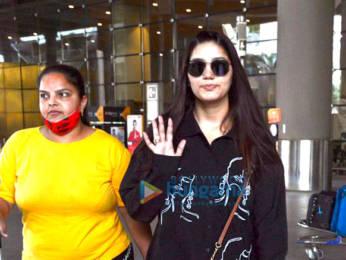 Photos: Kangana Ranaut, Sunny Leone, Vijay Deverakonda others snapped at the airport