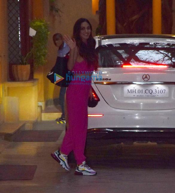 Photos Kartik Aaryan and Kiara Advani snapped at a dance class in Juhu (5)