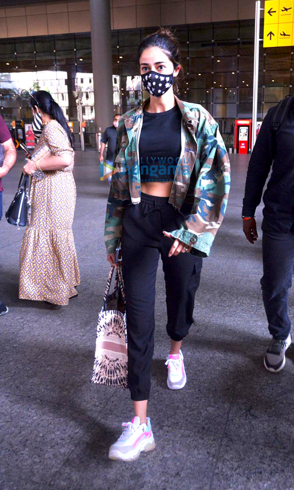 Photos Nimrat Kaur, Poonam Pandey, Nikhil Dwivedi and others snapped at the airport3 (1)
