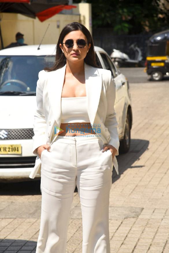 Photos Parineeti Chopra snapped at Saina movie trailer launch in PVR, Juhu (4)