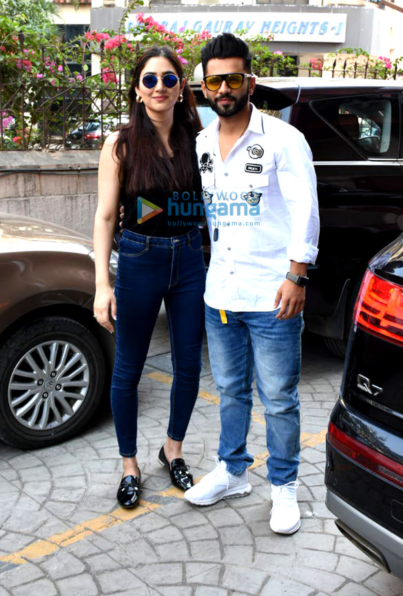 Photos Rahul Vaidya with girlfriend Disha Parmar at Frames Production house (2)