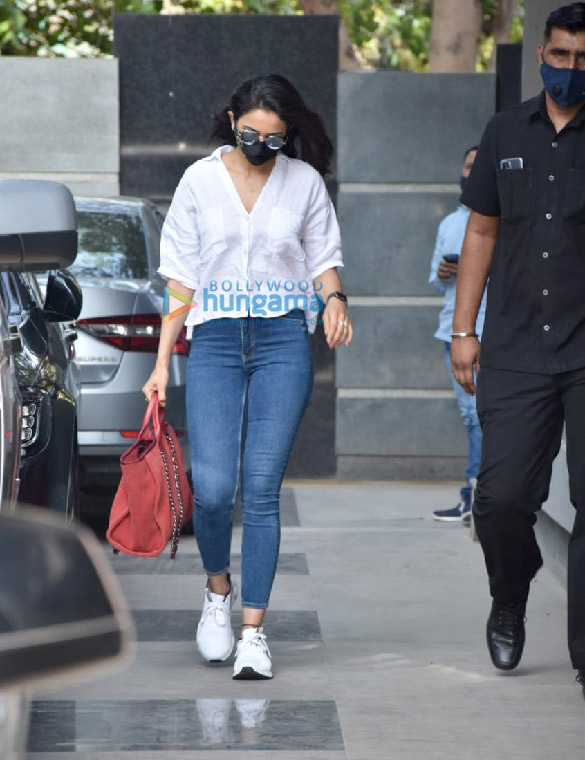 Photos Rakul Preet Singh snapped at Pooja Films' office in Juhu (2)