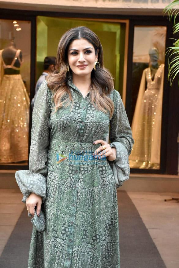 Photos Raveena Tandon spotted outside Manish Malhotra's store (4)