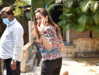 Photos: Sara Ali Khan and Mira Rajput snapped in Juhu