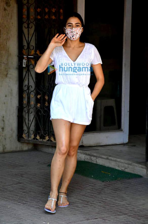 Photos Sara Ali Khan spotted at Pilates (4)
