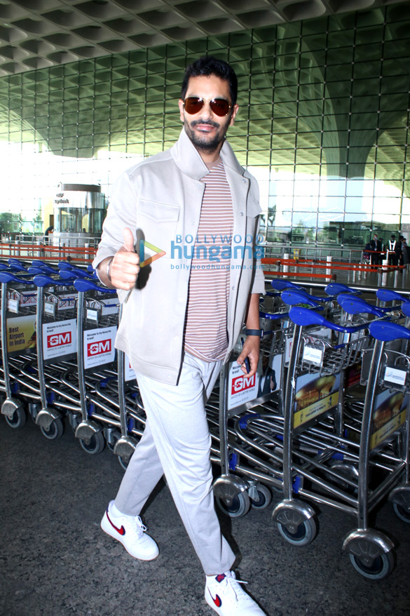 Photos: Sunny Deol, Hina Khan, Rocky Jaiswal and others snapped at the airport